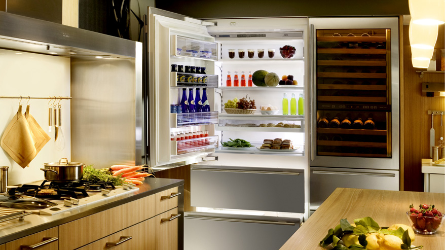 Sub Zero Integrated Refrigerator and Freezer Unit