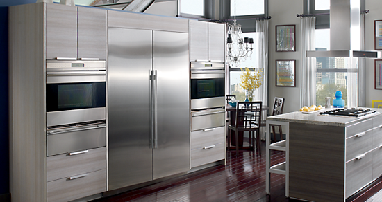 An awesome sub zero / wolf appliances kitchen
